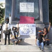 Roma, il flash mob anti razzista dopo la morte di Floyd