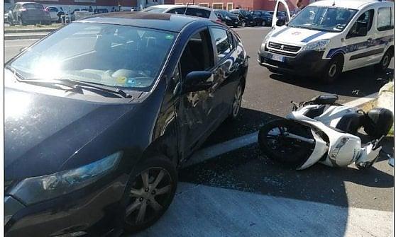 Roma, incidente in scooter per Gianluigi Paragone: ricoverato al Gemelli, non è grave