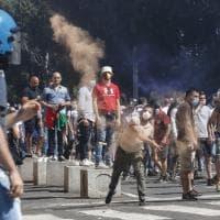 Neofascisti al Circo Massimo, cariche, scontri e braccia tese