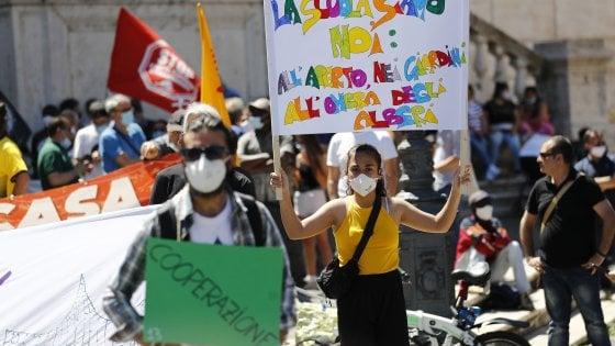 """Al Campidoglio la protesta degli invisibili e dei più fragili: """"Inadeguate le misure del Campidoglio"""""""