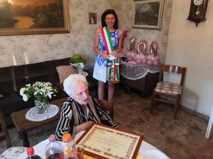 Ciampino, compie 100 anni e il Comune la festeggia