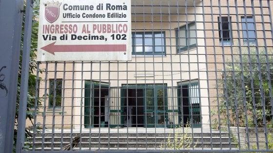 Roma, il cash and carry del condono: fiume di soldi per le mazzette