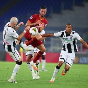Roma, settima sconfitta nel 2020: le parole di Petrachi contro i giocatori