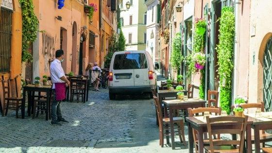 """Roma, tavolini no limits: lo strappo di Bergamo: """"Centro più fragile"""""""