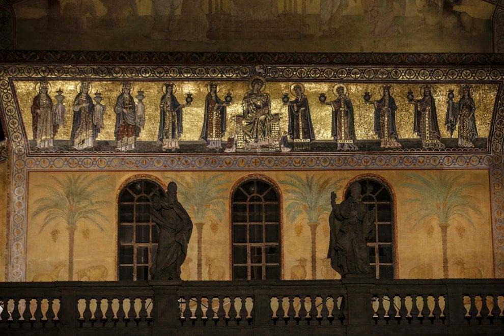 Santa Maria in Trastevere si illumina con i nuovi proiettori