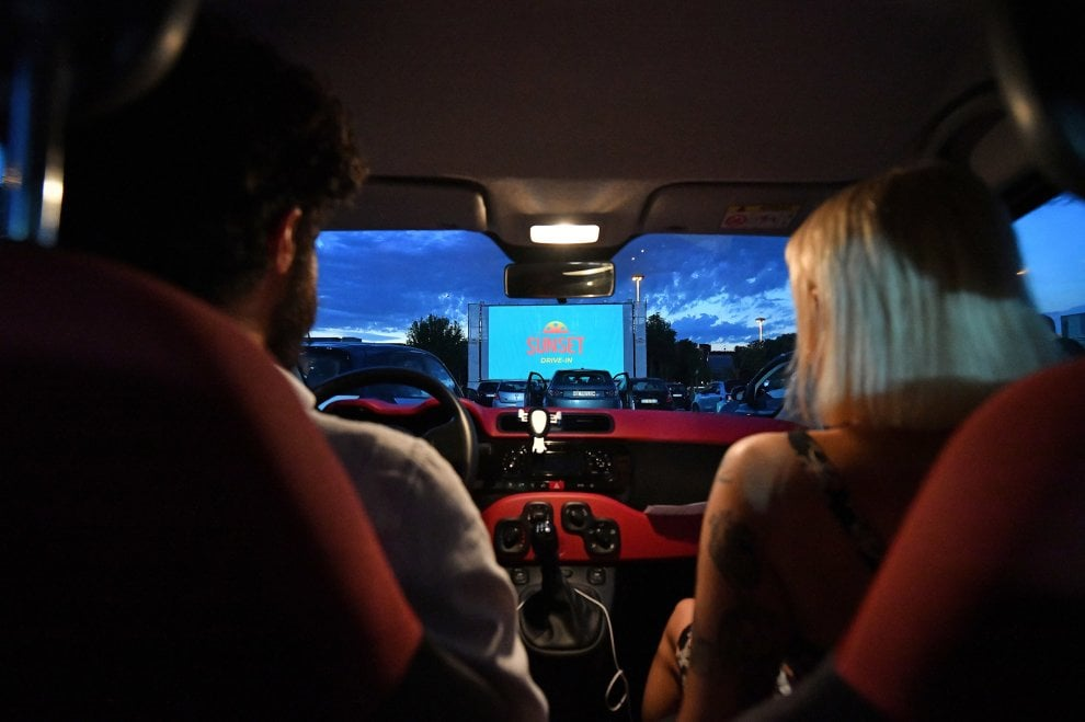 Cinecittà, inaugurato il drive-in da 160 automobili