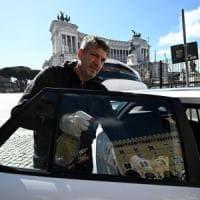 Trasporti, Campidoglio a caccia di sponsor  contro il caro-taxi