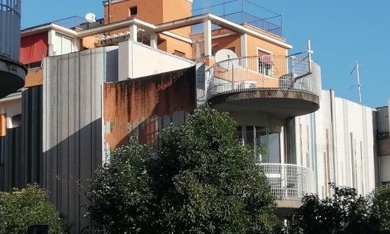 Casa Papanice al Nomentano,  per il capolavoro di Portoghesi: degrado e abbattimenti.  Una denuncia alla Soprintendenza