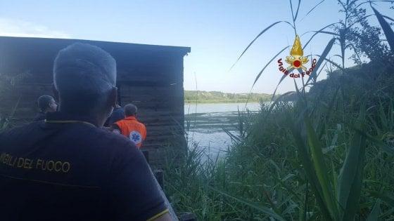 Farfa, cade un elicottero nel Tevere: si cerca l'equipaggio