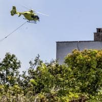Roma, sterpaglia in fiamme a Monte Mario: chiusi alcuni tratti di strada