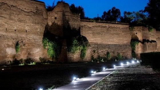 Luce sulle Mura aureliane, ombre sul parco