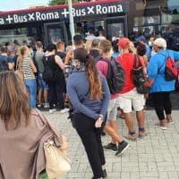 Roma-Lido interrotta: sulle navette si viaggia senza distanziamento