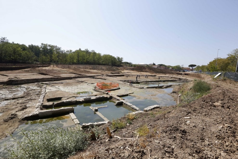 Archeologia, scoperta un'enorme vasca antica sulla via Ostiense: risale al IV a.C.
