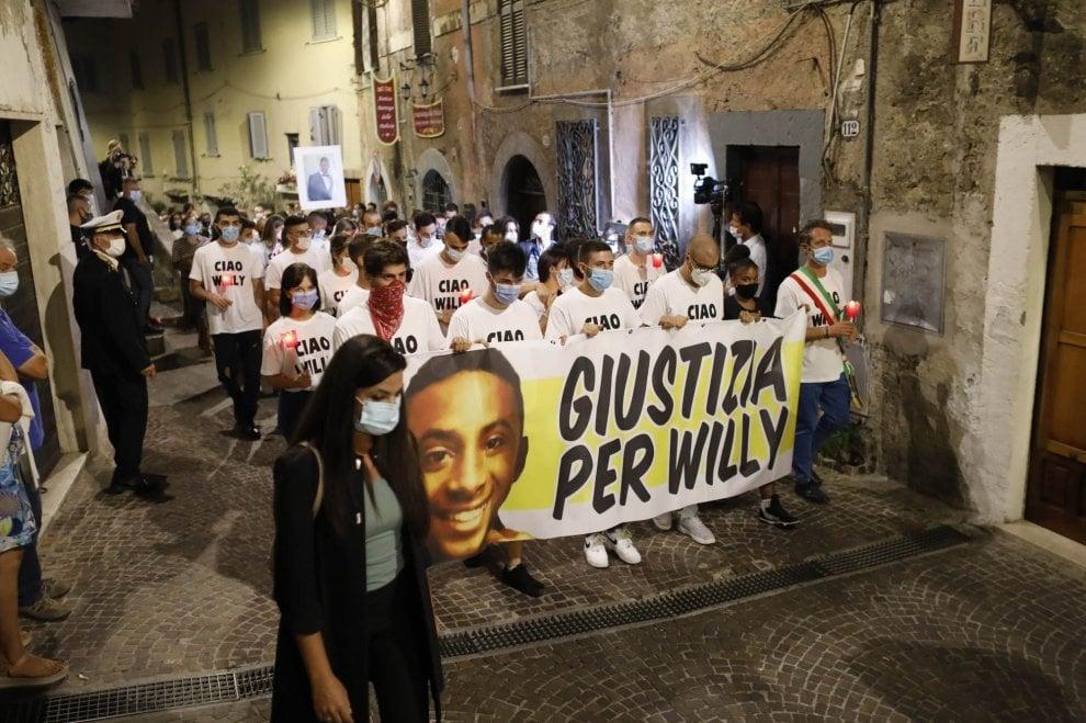 Omicidio di Colleferro, anche l'ambasciatore di Capoverde alla fiaccolata in ricordo di Willy
