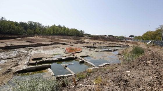 Archeologia, a Roma torna alla luce la piscina dei misteri