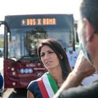 Stadio della Roma, Raggi replica al Pd ma spacca ancora i suoi: