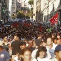 Roma, attivisti cantano Azzurro a un corteo, il pm li indaga per istigazione