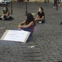 """Roma, giovani giuristi in piazza: """"Oltre l'emergenza: lavoro, tutele, dignità"""""""