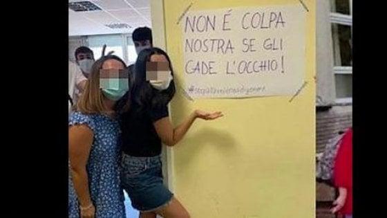 """Minigonne della discordia a Roma: """"Io, vicepreside femminista ho solo dato un consiglio"""""""