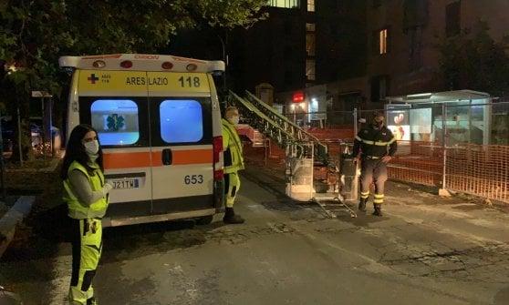 """Roma, Tor Marancia, ore di paura: si barrica in casa e minaccia: """"Ho una bomba, faccio saltare tutto"""""""
