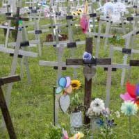 Roma, feti sepolti col nome di chi ha abortito. Emergono altri casi, le donne si ribellano
