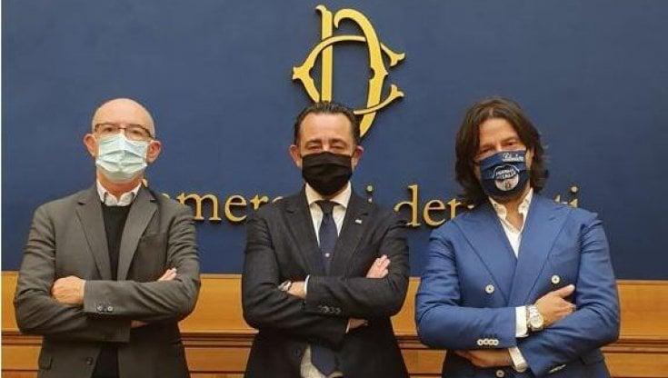 Roma, ristoranti chiusi la sera, tre osti e deputati in sciopero della fame per protesta