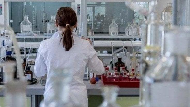 Coronavirus, il boom della lattoferrina: uno studio romano dice che l'integratore...