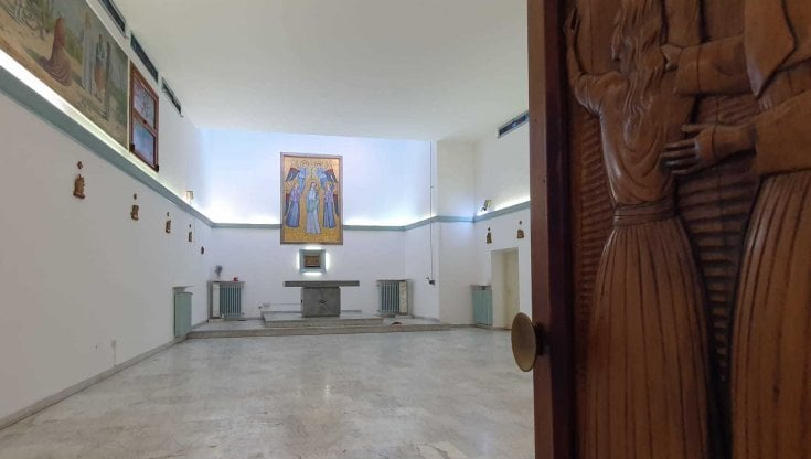 """Coronavirus, i malati sistemati nelle chiese a Latina. """"Più ricoveri che durante il lock..."""