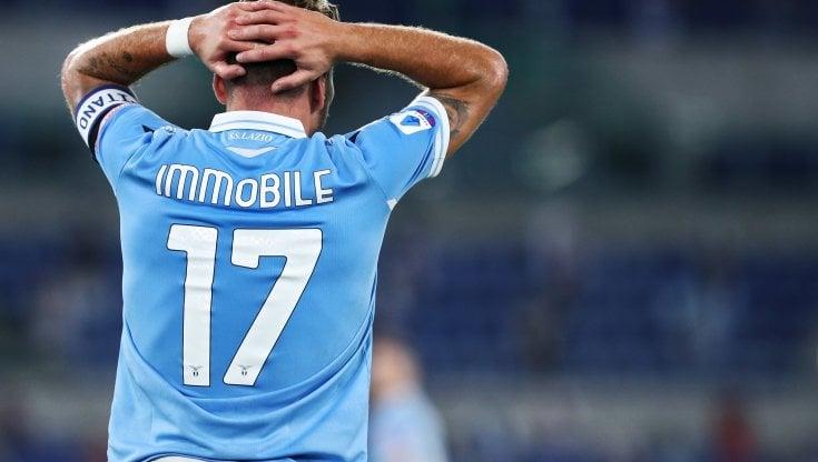 Lazio Calcio, tamponi positivi per Immobile & co. Saltano la Juve ...