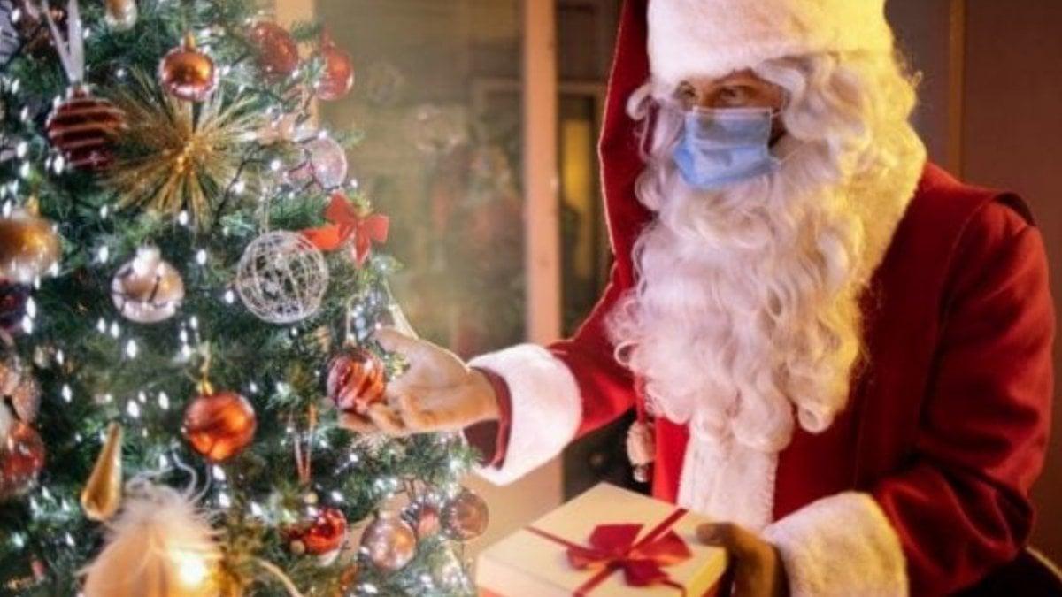 Babbi Natale.Coronavirus Quest Anno Babbo Natale Arriva Via Zoom L Idea Geniale Di Una Startup Romana La Repubblica