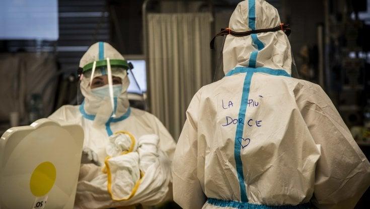 Coronavirus Il Bollettino Nel Lazio Del 5 Dicembre 1 783 Nuovi Casi Roma Di Nuovo Sotto Quota Mille Acquisti Sotto Casa Per Evitare Assembramenti La Repubblica