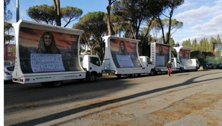 Roma, sui camion la nuova campagna Pro vita contro l
