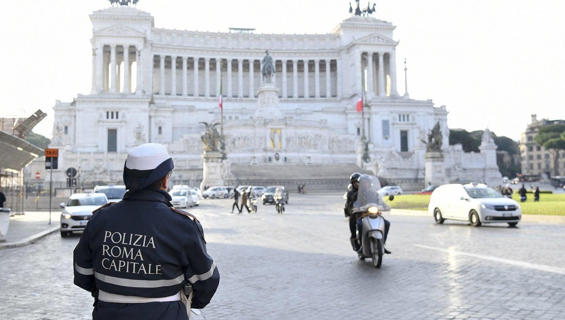 Roma, domenica a piedi 14 marzo: blocco del traffico in Fascia Verde - la  Repubblica