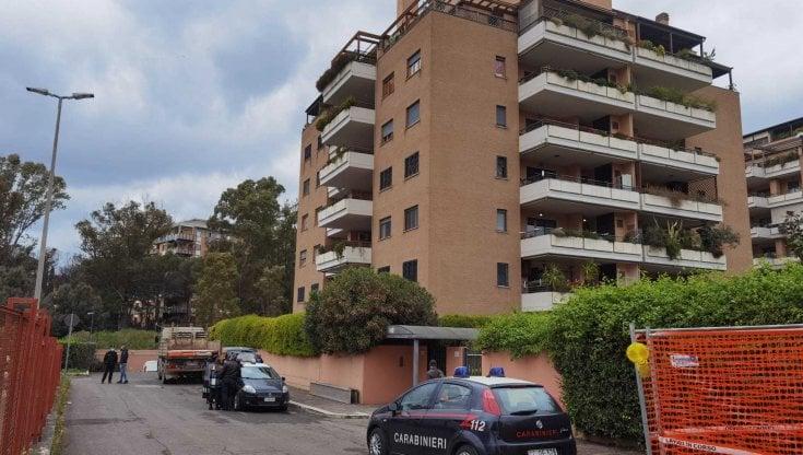 Roma, uccide la madre con un fucile da sub: dà fuoco alla casa e tenta il suicido....