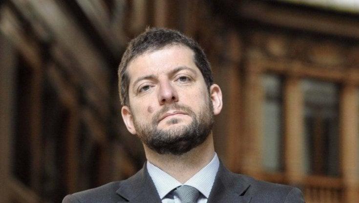 """Roma scandalo cimiteri, il dramma di Andrea Romano (Pd): """"Raggi vergognati, da due mesi..."""
