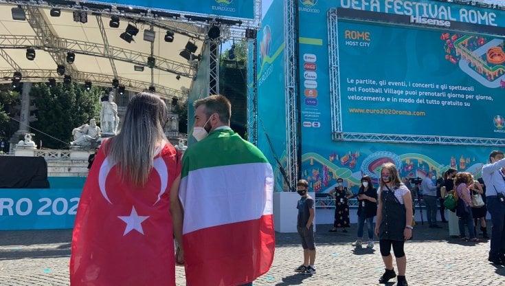 Euro2020, Roma invasa dai tifosi torna a vivere. Il sogno azzurro dopo un anno in bianco e nero - la Repubblica
