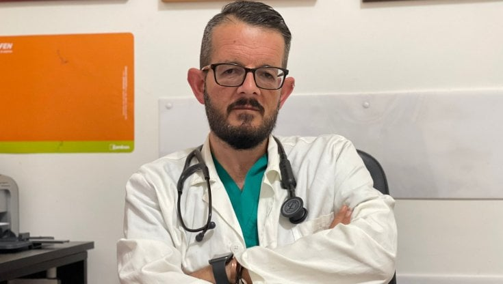 """Vaccini, parla il medico che converte i no-vax: """"Io e la mia moto abbiamo fatto più dosi..."""