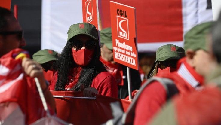 """Cgil, la manifestazione di oggi a Roma. 200mila in piazza. Landini: """"Parliamo a tutto il..."""
