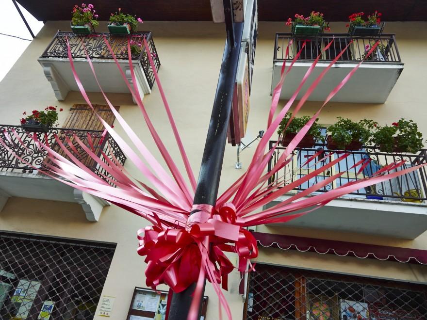 """Amato Festa occitana a Roure, il """"paese dei murales"""" diventa un """"paese  MD14"""