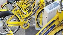 Sorprese metropolitane:    chi va in bicicletta respira  meno gas inquinanti