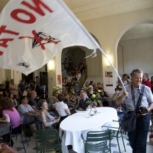 Protesta no Tav al festival Teatro a Corte