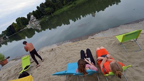 Riecco i murazzi una spiaggia in riva al fiume for Sabbia di fiume