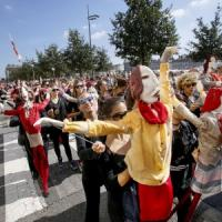 Défilé, la grande festa pop rivive al Carignano