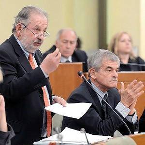 Spese pazze in Piemonte, niente archiviazione per vicepresidente Regione: Chiamparino respinge le dimissioni