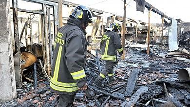 Maxi rogo in un ex lanificio a Caselle,  gravi danni per sette piccole aziende