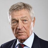 """La """"classifica dei Paperoni"""" di Forbes: Denegri, patron del Cambio,"""