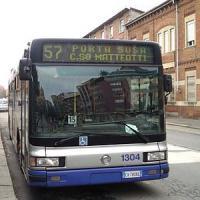 Muore investito dal bus nel punto in cui si era salvato 20 anni fa