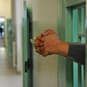 Cuneo, ergastolano si impicca nel carcere. La protesta del garante dei detenuti