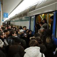 Sistema informatico in tilt, mattinata di caos sui treni dei pendolari