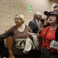 Processo Thyssen, pene ridotte: la protesta dei parenti